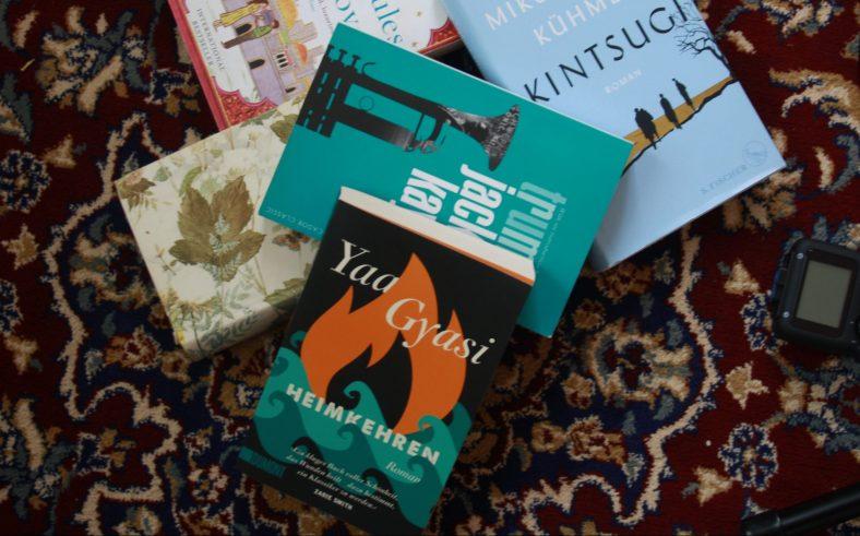 Ein kleiner Vorgeschmack auf die Buchauswahl für die kommenden Podcasts von Die*Buch